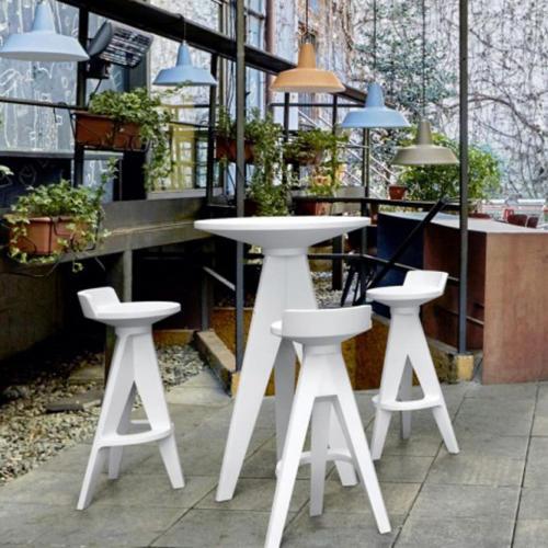 terrasse-mangedebout-tabouret