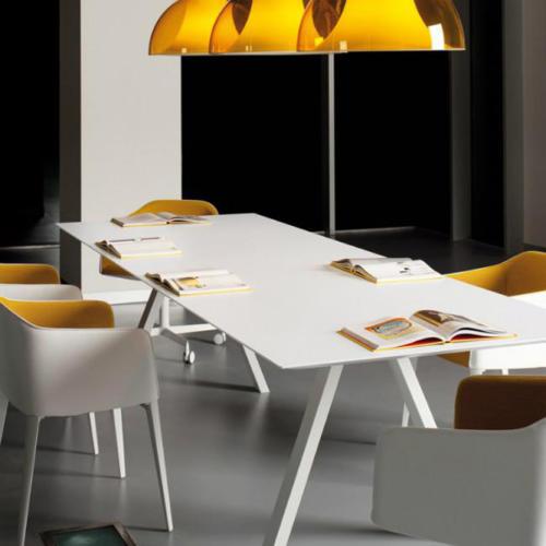 reunion-lampadaire-table